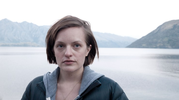 elizabeth-moss-top-of-the-lake-netflix-binge-worthy-tv-shows